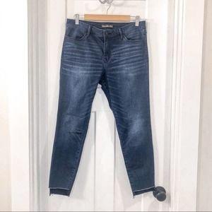 Abercrombie Signature High Waisted Raw Hem Jeans 8